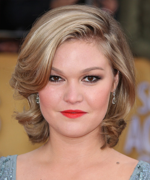 Julia Stiles - Formal Short Wavy Hairstyle