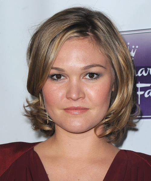 Julia Stiles Short Straight Hairstyle - Dark Blonde