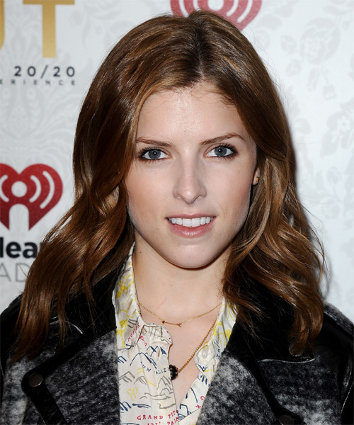 Anna Kendrick Medium Straight Casual Hairstyle - Medium Brunette (Auburn) Hair Color
