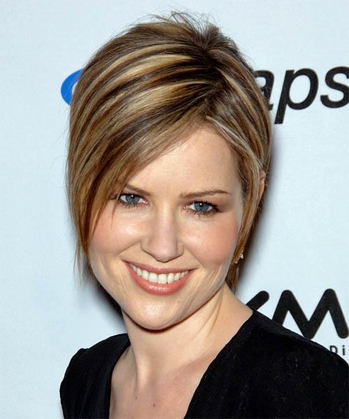 Dido Short Straight Casual Hairstyle