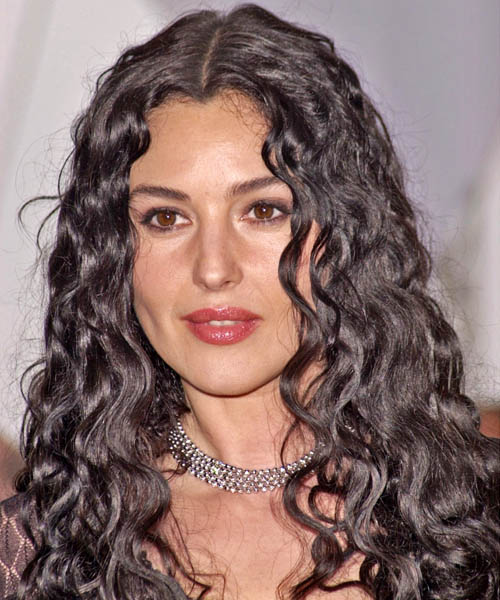 Monica Bellucci - Casual Long Curly Hairstyle