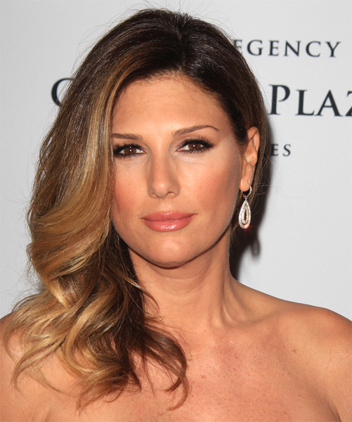 Daisy Fuentes Long Wavy Hairstyle - Medium Brunette (Honey)