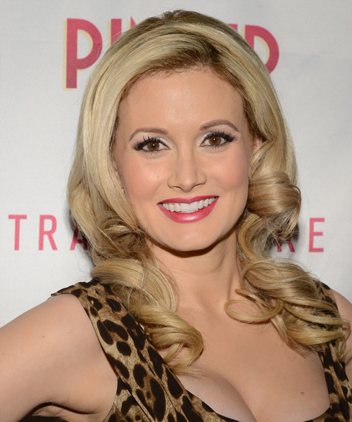 Holly Madison Long Wavy Hairstyle - Light Blonde (Caramel)