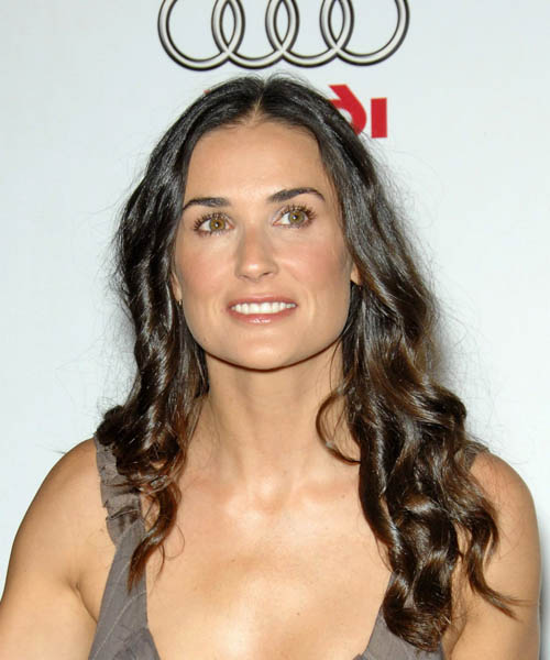 Demi Moore Long Wavy Hairstyle