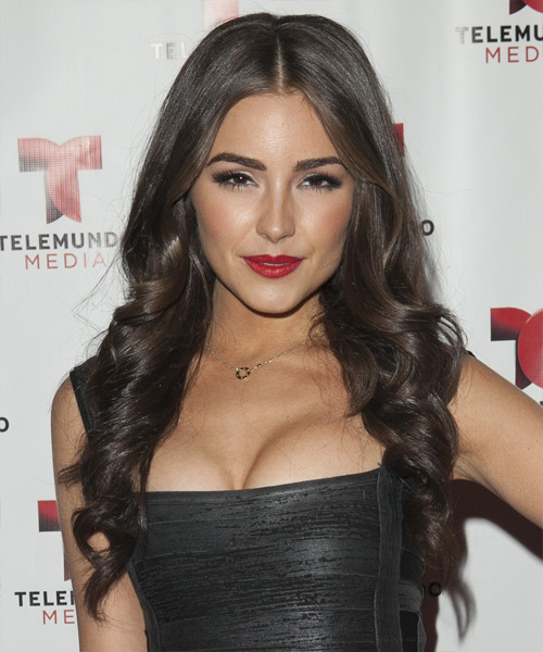 Olivia Culpo Long Wavy Formal Hairstyle