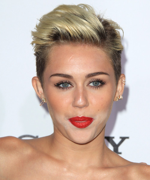 Miley Cyrus Short Straight Hairstyle