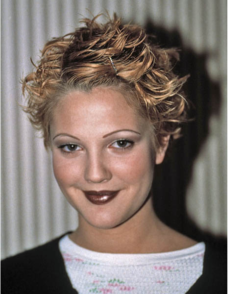 Drew Barrymore Short Wavy Hairstyle