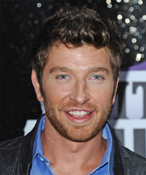 Brett Eldredge Short Wavy Casual Hairstyle