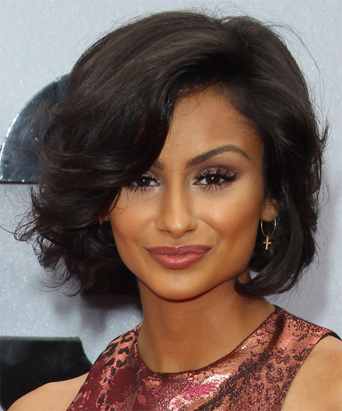 Nazanin Mandi Short Wavy Formal