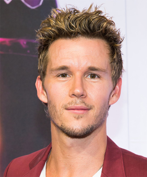 Ryan Kwanten Short Straight Casual Hairstyle