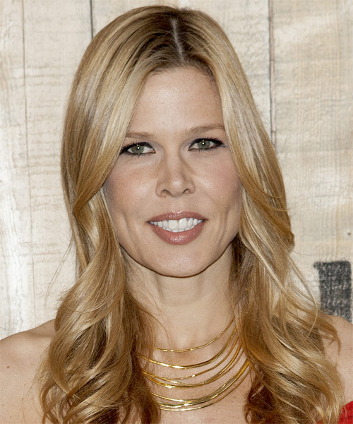 Mary Alice Stephenson Long Wavy Hairstyle