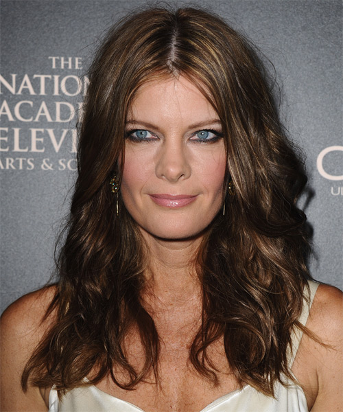 Michelle Stafford Long Wavy Hairstyle