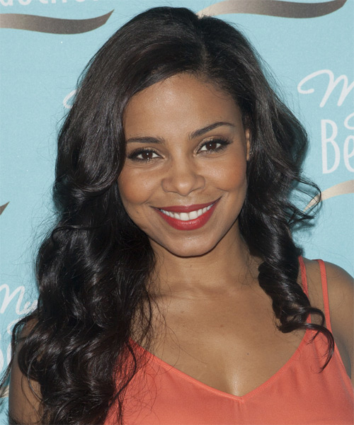 Sanaa Lathan Long Wavy Casual
