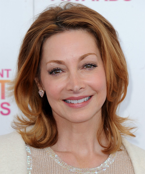 Sharon Lawrence Medium Straight Hairstyle