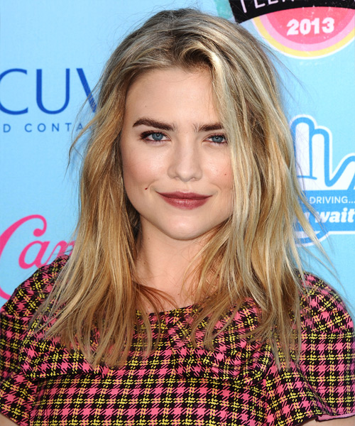 Maddie Hasson Medium Straight Hairstyle