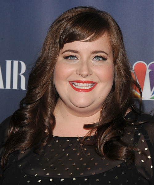 Aidy Bryant Long Wavy Hairstyle