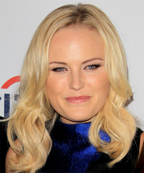 Malin Akerman Long Wavy Hairstyle