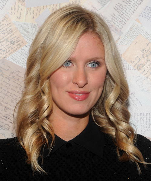 Nicky Hilton Long Wavy Casual Hairstyle