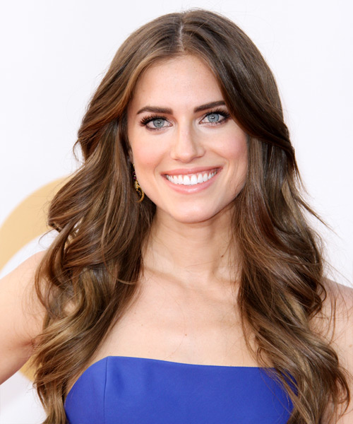 Allison Williams Long Wavy Hairstyle