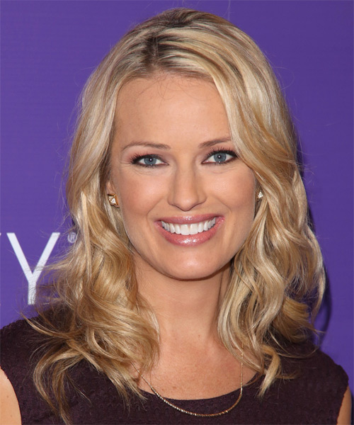 Brooke Anderson Long Wavy Casual Hairstyle