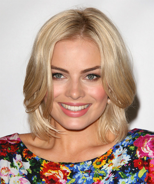Margot Robbie Medium Straight Formal Hairstyle