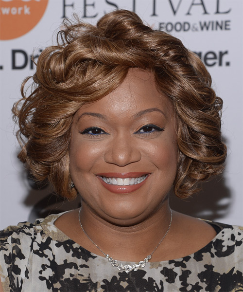 Sunny Anderson Short Curly Hairstyle