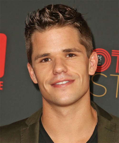 Max Carver Short Straight Casual Hairstyle - Medium Brunette Hair Color