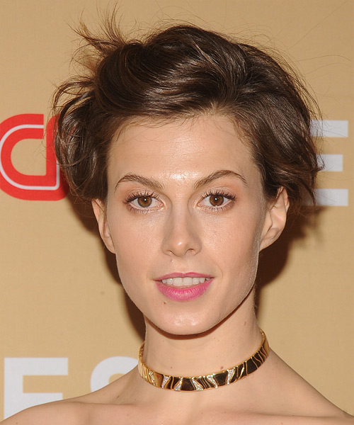 Elettra Wiedemann Short Straight Casual Hairstyle - Medium Brunette (Chestnut) Hair Color