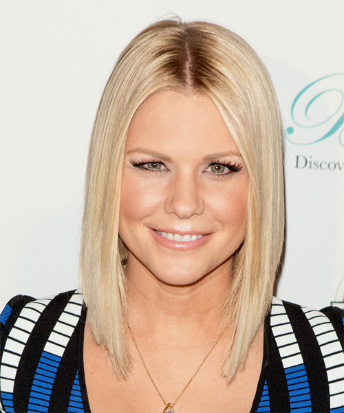 Carrie Keagan Medium Straight Bob Hairstyle (Champagne)