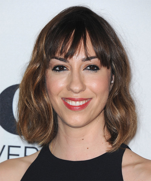 Gia Coppola Medium Wavy Casual Hairstyle with Blunt Cut Bangs - Medium Brunette Hair Color