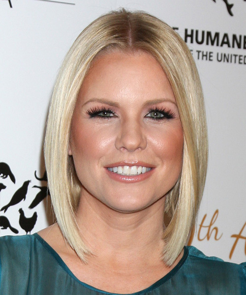 Carrie Keagan Medium Straight Bob Hairstyle - Light Blonde