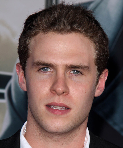 Iain De Caestecker Short Straight Hairstyle - Dark Brunette