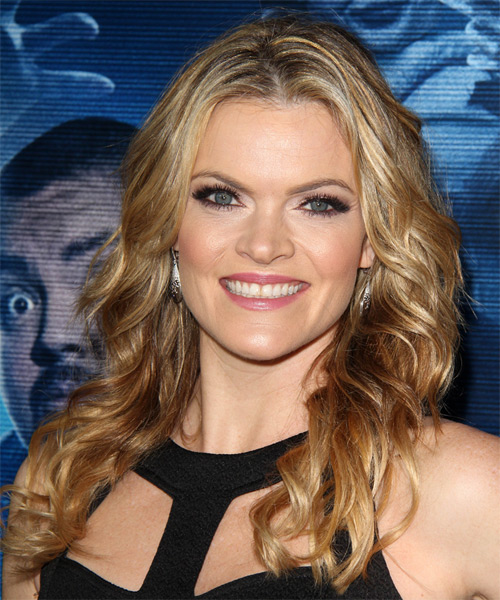 Missi Pyle Long Wavy Hairstyle - Medium Blonde (Golden)