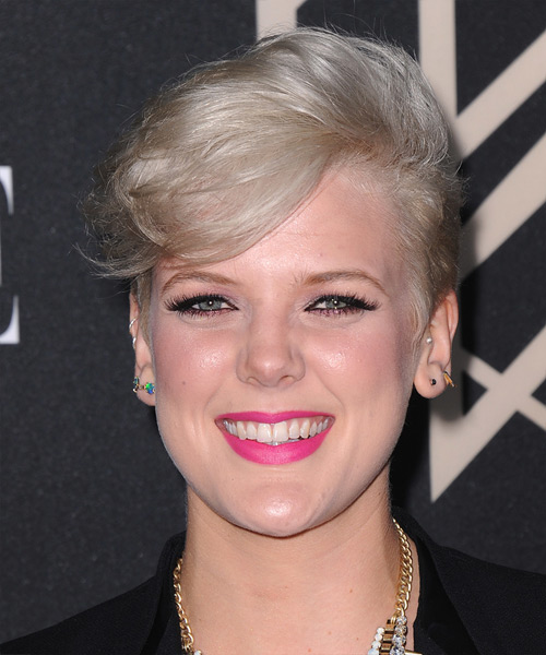 Betty Who Short Straight Formal Hairstyle - Light Blonde (Platinum) Hair Color