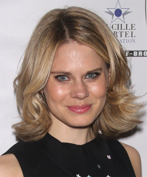 Celia Keenan Bolger Medium Straight Casual Hairstyle - Medium Blonde (Champagne) Hair Color