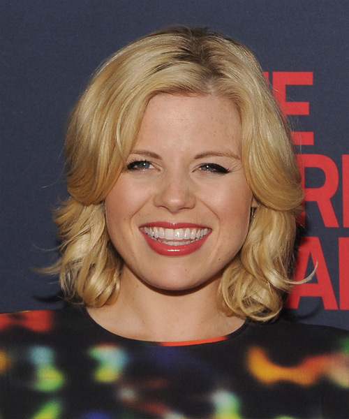 Megan Hilty Medium Wavy Hairstyle - Medium Blonde (Honey)