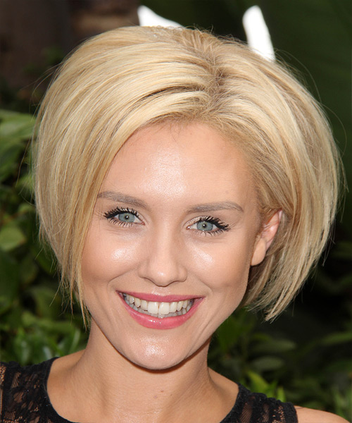 Nicky Whelan Short Straight Hairstyle - Light Blonde