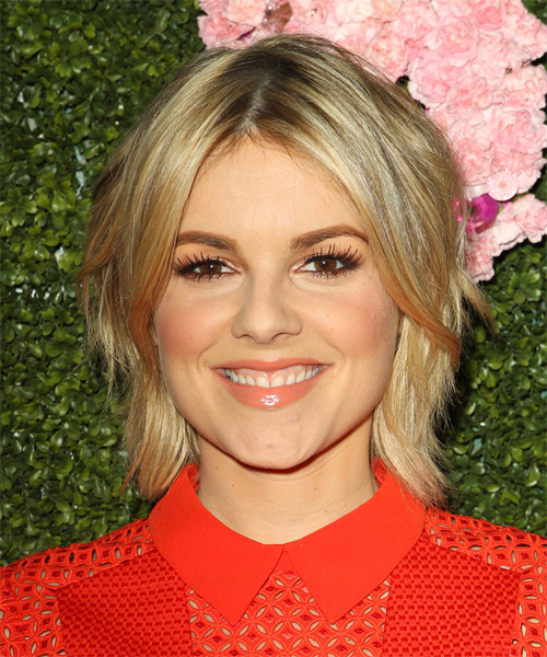 Ali Fedotowsky Short Straight Casual Hairstyle - Medium Blonde Hair Color
