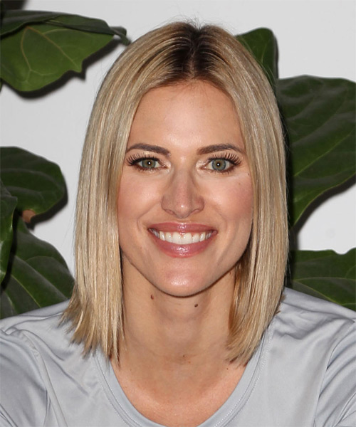 Kristen Taekman Medium Straight Casual Bob Hairstyle - Medium Blonde Hair Color