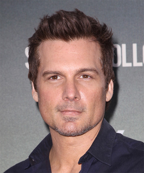 Len Wiseman Short Straight Casual Hairstyle - Medium Brunette (Chocolate) Hair Color