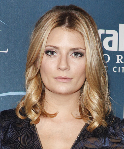 Mischa Barton Medium Wavy Casual Hairstyle - Medium Blonde Hair Color