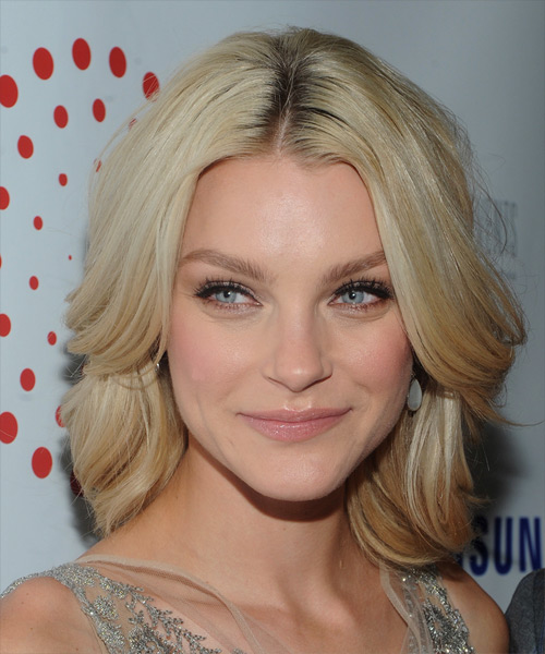 Jessica Stam Medium Straight Formal Hairstyle - Light Blonde Hair Color