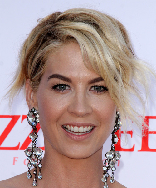 Jenna Elfman Short Wavy Hairstyle - Medium Blonde