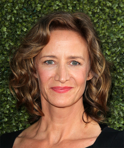 Janet McTeer Medium Wavy Casual Hairstyle - Medium Brunette Hair Color
