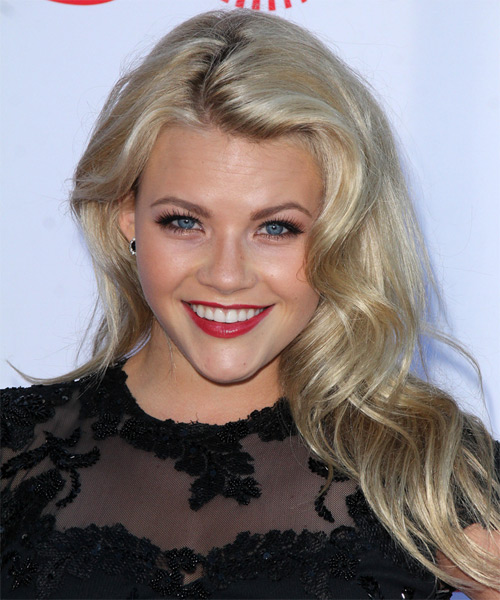 Witney Carson Long Wavy Hairstyle - Light Blonde (Champagne)