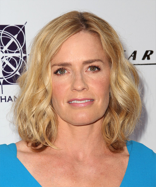 Elisabeth Shue Medium Wavy Hairstyle - Medium Blonde (Golden)