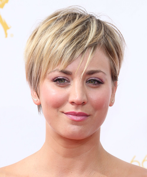 Kaley Cuoco Short Straight Casual Hairstyle Golden