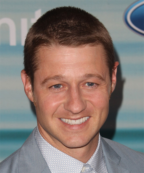 Ben McKenzie Short Straight Casual  - Light Brunette