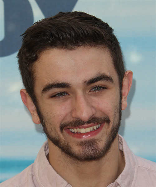 Ricky Ubeda Short Straight Casual Hairstyle Dark