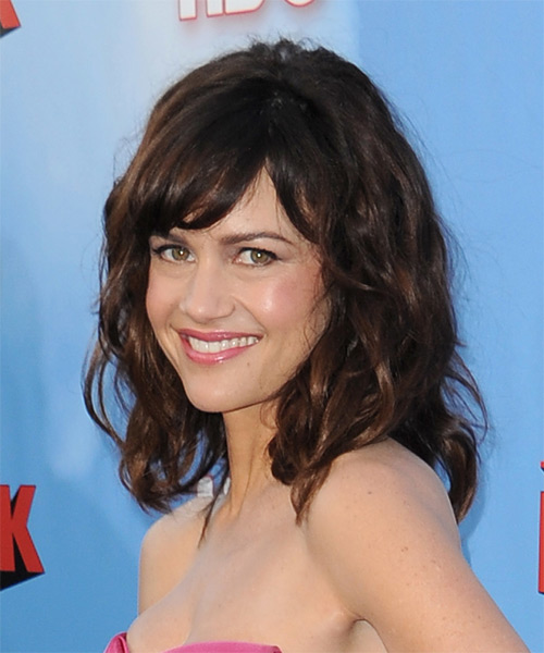Carla Gugino Medium Wavy Casual Hairstyle with Side Swept Bangs - Dark Brunette Hair Color - side view